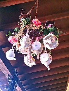 English Roses My dream tea room would totally have teapot chandeliers too. Rose Anglaise, Tea Room Decor, Vintage Tea Rooms, Dream Tea, Luxury Chandelier, Chandeliers, Deco Originale, Afternoon Tea Parties, Design Studio