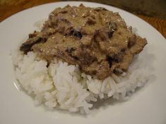 Sour Cream Beef Stroganoff - Tender meat, perfectly done! I added salt & pepper to suit my taste & served it on a bed of steamed rice.