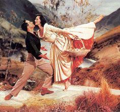 Brigadoon- Gene Kelly, Cyd Charisse and the Highlands of Scotland *sigh* Gene Kelly, Golden Age Of Hollywood, Classic Hollywood, Old Hollywood, Hollywood Style, Shall We Dance, Lets Dance, Old Movies, Great Movies