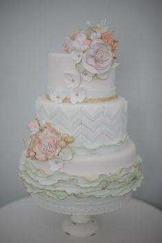 Vintage wedding cake  Www.24kcakeco.com