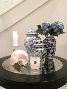 I collect blue and white ceramics. Apart from their colour and varying shapes, I love decorating with blue and white ceramics. Here are some of my ideas. Blue And White China, Blue China, Blue Grey, Cool Tables, Blue Rooms, Ginger Jars, White Decor, White Patterns, White Porcelain