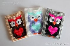 Plastic canvas credit card holder with owl by Ricamoeplasticcanvas