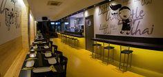 La cocina tailandesa se caracteriza por ser capaz de combinar muchos ingredientes en una adecuada y equilibrada proporción. Y es eso lo que se vive a diario en Little Thai, un restaurante ubicado en el centro de Valencia que en solo tres años se ha posicionado como uno de los lugares más aclamados por los amantes de la cocina asiática.