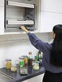 Luxury Kitchen Cabinet Handles Organizer - Real Time - Diet, Exercise, Fitness, Finance You for Healthy articles ideas Kitchen Room Design, Modern Kitchen Design, Home Decor Kitchen, Interior Design Kitchen, Kitchen Furniture, Diy Kitchen Ideas, Kitchen Ideas Videos, Furniture Ideas, Restaurant Kitchen Design