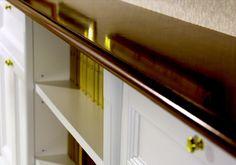 Dettaglio ripiano in legno per libreria laccata bianca, stile classico. #MobileClassico #MobileSuMisura #RipianoinLegno #LaccatoBianco Stairs, Home Decor, Stairway, Decoration Home, Room Decor, Staircases, Home Interior Design, Ladders, Home Decoration