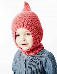Удобная шапка спицами для ребенка, выполненная из акриловой пряжи средней толщины. Вязание шапки начинается от нижнего края резинкой, далее основная...