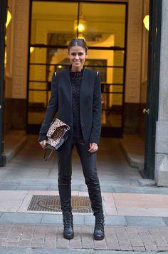 the different textures, all black. Thepetticoat, CRISTINA FERNANDEZ, Spain fashion blogger.