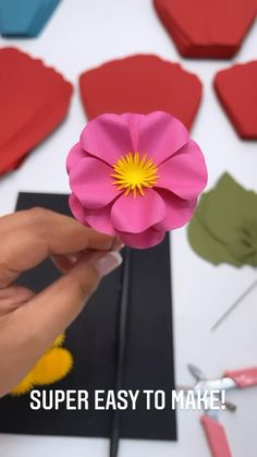 Free Paper Flower Templates, Paper Flower Tutorial, Large Paper Flowers, Paper Flowers Wedding, Spring Projects, Flower Center, Sunday Morning, Flower Making, 4 Years