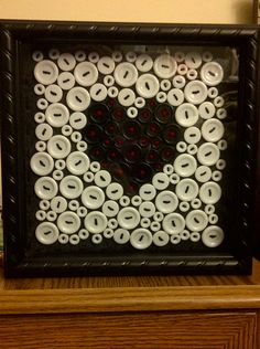 Black/white (or ivory) button heart picture with black frame. Button Art, Button Crafts, Black Button, Crafts To Make, Fun Crafts, Arts And Crafts, Diy Buttons, Vintage Buttons, Valentine Crafts