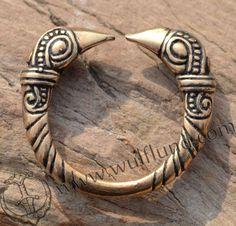 VIKING RAVEN HEAD RING, bronze