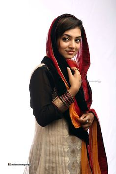 South Indian actress Nazriya Nazim best picture and wallpaper gallery. Best hd image gallery of actress Nazriya Nazim. Indian Film Actress, South Indian Actress, Indian Actresses, Nazriya Nazim, Indian Girls Images, India People, Malayalam Actress, Bollywood Girls, Movie Photo