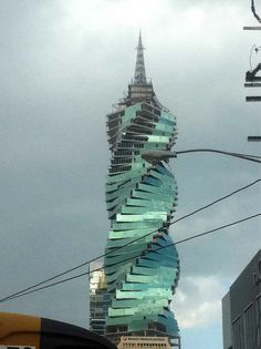 Edificio El Tornillo Panama | Fotos de Mark Wahlberg filmando en Panamá!