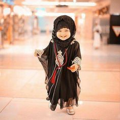 Azadar e hussain a. Cute Little Baby, Cute Baby Girl, Cute Babies, Baby Kids, Baby Hijab, Girl Hijab, Muslim Girls, Muslim Women, Muslim Family