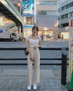 Korean Casual Outfits, Korean Outfit Street Styles, Cute Casual Outfits, Simple Outfits, Korean Girl Fashion, Korean Fashion Trends, Korean Street Fashion, Asian Fashion, Ulzzang Fashion Summer