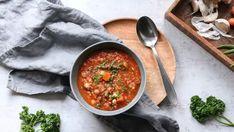 Polévky   Recepty na krémové polévky či recepty na silný vývar Pho, Chana Masala, Quinoa, Curry, Ethnic Recipes, Curries