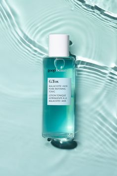 How to minimize pores with our new G.Tox Malachite + AHA Pore Refining Tonic. A daily-use pore-refining treatment is made with malachite, a trio of acids, hydrolyzed hyaluronic acid, vitamin B3, and mineral-rich sea water.