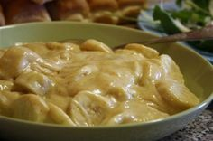 Mom's CurriedBanana Salad Naughty, but so nice! Mix 1 can of condensed milk, 1 cup mayonnaise and 1 heaped T mild curry powder. Slice 4 – 6 bananas and add to the sauce. Stir until well combined. Allow to stand for about 30 minutes to allow the favours to develop. Trust me…don't diss it before you've tried it!