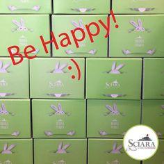 Carissimi Sciara-lovers oggi è la Giornata mondiale della Felicità!  Basterà una parete di Colombe al Pistacchio per renderci felici...??  #HappynessDay #SciaraPistacchio #SoloCoseBuone #ColombaAlPistacchio #SciaraLovers #Pasqua #pistacchio #Sciara #cremadipistacchio