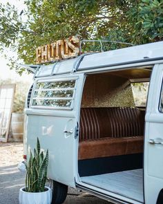 After a year of virtual weddings, elopements, and backyard ceremonies, 2021 couples are ready to ditch the technology and be present with loved ones on their special day. Unplugged weddings are all the rage, and it's a great way to connect in person and enjoy unforgettable moments without distraction. See more rustic wedding inspiration at rusticweddingchic.com | Photo: Amari Productions Wedding Programs, Wedding Ceremony, Wedding Day, Advice For Bride, Unplugged Wedding, Rustic Wedding Inspiration, Wedding Officiant, Wedding Planning Tips, Elopements