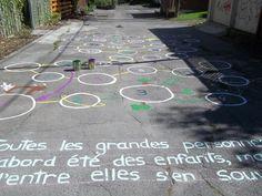 Une partie de la ruelle Sicard, créée en 2012 dans l'arrondissement Mercier-Hochelaga-Maisonneuve à Montréal.