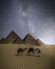 That Ankh Life -Ancient Egyptian Jewelry and Fashion Egyptian Cross, Ancient Egyptian Jewelry, Egyptian Symbols, Egyptian Goddess, Egyptian Art, Egyptian Mythology, Great Pyramid Of Giza, Egyptian Tattoo, Visit Egypt