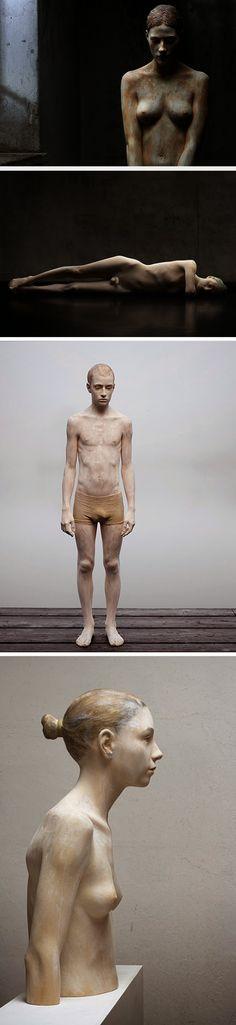 Esculturas de madeiras que parecem pessoas reais   Leitura Dinâmica