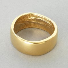 "Possible groom's wedding band - ""Cast from your partners finger so you are always holding hands. This is a unique ring moulded from your loved ones finger. Fingerprint Ring, Fingerprint Wedding, Wedding Bands, Wedding Ring, Wedding Stuff, Wedding Ideas, Bouquet Wedding, Wedding Jewelry, Wedding Reception"