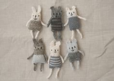 Ravelry: Project Gallery for Anything Animals pattern by Rachel Borello Carroll Knitting Projects, Knitting Patterns, Sewing Projects, Crochet Patterns, Yarn Crafts, Sewing Crafts, Christmas Fair Ideas, Baby Hats Knitting, Knitting Toys