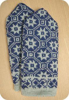 Latvian mittens 'Vincent' | by osloann