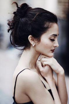 スッと高い鼻はのっぺら日本顔の憧れ。でもその憧れフェイスは整形しなくては手に入らないと思い込んでいませんか?実は高い鼻、マッサージで手に入れることができちゃうかも♡