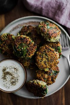 Spinach Quinoa Cakes with Garlicky Yogurt (Naturally Ella) Spinach Recipes, Vegetable Recipes, Vegetarian Recipes, Cooking Recipes, Healthy Recipes, Naturally Ella, Quinoa Cake, Eat Seasonal, Kale