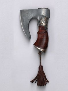 "Knife-ax ""Golden Grove"" (2004) Master - Gennady Kopylov. Damascus steel, north-Crimean juniper, yellow and white metals, leather //"