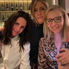 From breaking news and entertainment to sports and politics, get the full story with all the live commentary. Jennifer Aniston, Courtney Cox, Rachel Green, Brad Pitt, Lisa, Actor Secundario, Season 1, Instagram, Girlfriends