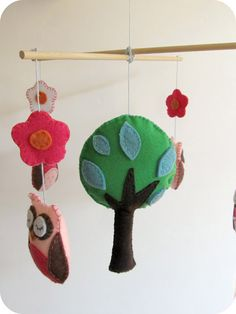 Felt Owl Mobile (with tree and owl templates) Homemade Mobile, Felt Crafts, Diy Crafts, Owl Mobile, Sewing Projects, Craft Projects, Sewing Ideas, Craft Ideas, Tree Templates