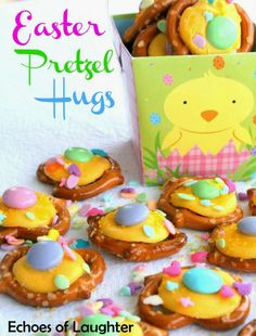 Easter Pretzel Hugs. Kids will love helping make these. Such a precious Easter treat!!