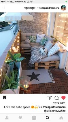 ideas on a budget/apartment balcony ideas/container gardens/apartment balcony decorating/ balcony pallet seating. ideas on a budget/apartment balcony ideas/container gardens/apartment balcony decorating/ Tiny Balcony, Small Balcony Decor, Balcony Ideas, Small Balconies, Terrace Ideas, Outdoor Balcony, Garden Ideas, Small Balcony Design, Backyard Ideas