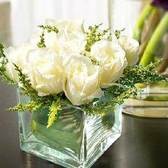 """6 """"H Hvite Roses i Arrangment – NOK kr. 197"""