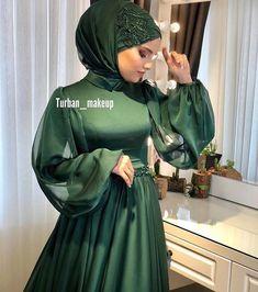 Image may contain: 1 person Tesettür Eşarp Modelleri 2020 Hijab Evening Dress, Hijab Dress Party, Hijab Wedding Dresses, Elegant Wedding Gowns, Muslim Fashion, Modest Fashion, Hijab Fashion, Fashion Dresses, Emo Fashion