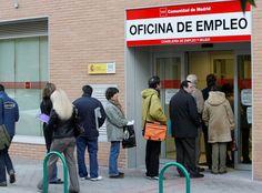 Sólo el 0,6 % de los parados de larga duración y más de 45 años logra empleo indefinido