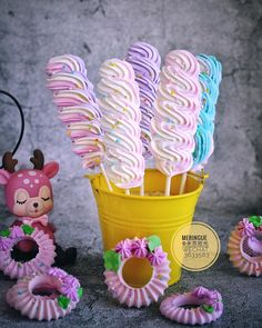 Creative pastry desserts, can give a fresh feeling to the Yummy Cookies, Cake Cookies, Sugar Cookies, Cupcake Cakes, Meringue Pavlova, Meringue Desserts, Kreative Desserts, Meringue Kisses, Unicorn Foods