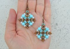 """DIY Turorial Orecchini """" Semplice Sai…"""" twin beads cipollotti perline … – My All Pin Page Jewelry Making Tutorials, Jewelry Making Beads, Beading Tutorials, Beaded Jewelry Designs, Jewelry Patterns, Beading Patterns, Seed Bead Earrings, Beaded Earrings, Twin Beads"""