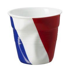 Gobelet tout en porcelaine qui sera idéal pour servir vos ristrettos, cafés, thés, cappucinos ou cafés gourmands. Fabriqué en France, il convient au au four, micro-ondes, congélateur et lave-vaisselle. Optez pour l'originalité ! #france #gobelet #cuisine #déco