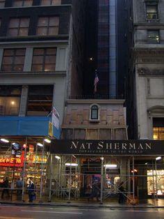 Nat Sherman shop,12 E 42nd St, New York