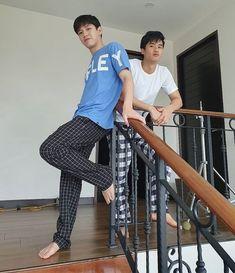 Vampire Sphere, Asian Actors, Asian Boys, Boyfriend Material, Cute Couples, Harem Pants, Hot Guys, Dark Blue, Wattpad