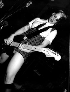 Brodie Dalle - The Distillers Brody Dalle, The Distillers, The Cramps, Women Of Rock, Guitar Girl, Cute Girl Dresses, Riot Grrrl, Female Guitarist, Concert Photography