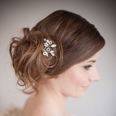 Chez Bec Set Of Divinity Wedding Hair Pins. Set of vintage-inspired diamante crystal wedding hair pins, you choose whether you want a set of three, five or seven. Braided Bun Hairstyles, Braided Hairstyles, Wedding Hairstyles, Bridal Hairstyle, Vintage Wedding Hair, Wedding Hair Pins, Hair Heaven, Wedding Matches, Hair Vine