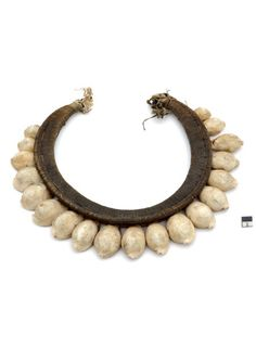 Indonesia | Shell, wood and fiber necklace from Moluccas -Tenimber.