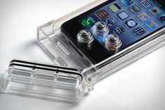 tat7-scuba-case-open iphone underwater