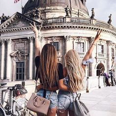 Best friend photos, photo best friends, great friends, your best Best Friend Photos, Best Friend Goals, Ft Tumblr, Hijab Look, Bff Goals, Cute Friends, Friends Girls, Bff Pictures, Best Friends Forever