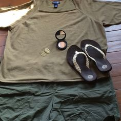 Top Knit olive green top. Great as a neutral color. Offers Welcome! Tops Tees - Short Sleeve